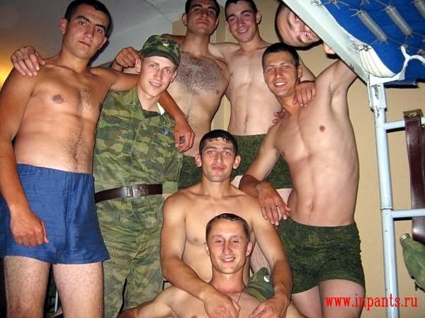 Секс военных геевв казарме и в бане видео